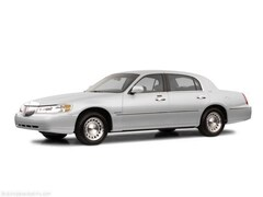 Used 2002 Lincoln Town Car Cartier Sedan in Bloomington, MN