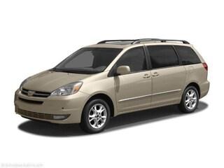 2004 Toyota Sienna CE w/8 Pass. Seating Van