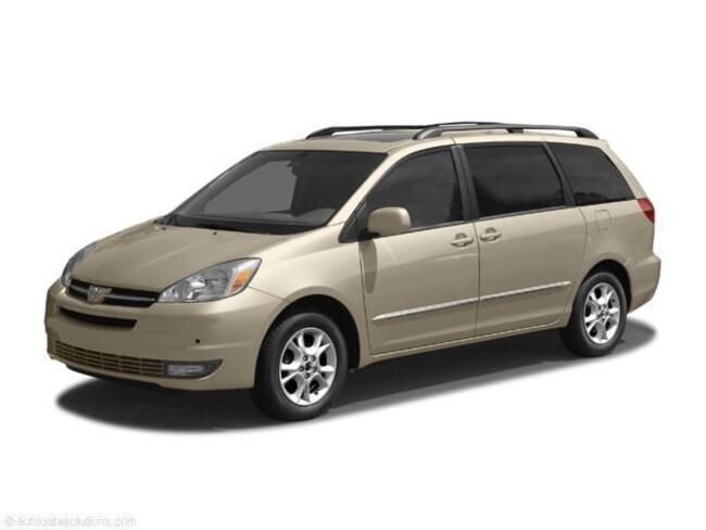 2004 Toyota Sienna LE Mini Van