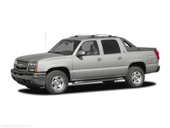 Used 2005 Chevrolet Avalanche Truck for sale in Springfield, IL