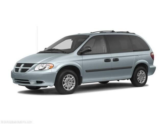 2005 Dodge Caravan SXT Van