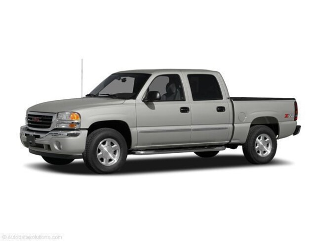 2005 GMC Sierra 1500 Crew Cab Short Bed Truck