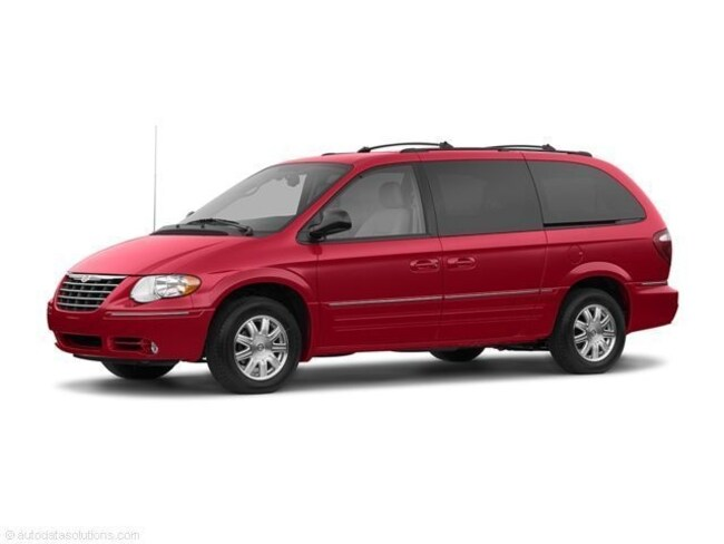 2006 Chrysler Town & Country 4d Wagon Minivan