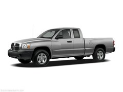 2006 Dodge Dakota 2dr Club Cab 131 SLT Crew Cab Pickup