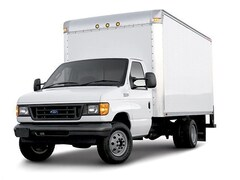Used 2006 Ford Econoline 450 Cutaway Base DRW Chassis Truck for Sale in Watseka IL