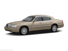 Used 2006 Lincoln Town Car Signature Sedan in San Diego