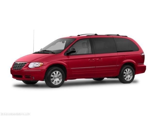 2007 Chrysler Town & Country Base Van
