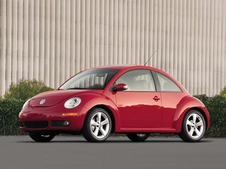 Pre-Owned 2010 Volkswagen New Beetle 2.5L Hatchback in Dublin, CA