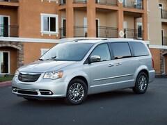 2011 Chrysler Town & Country Wgn Limited Mini-van, Passenger