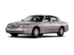 2011 Lincoln Town Car Signature Limited Sedan