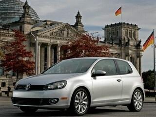 2012 Volkswagen Golf TDI 2-Door w/Sunroof & Nav Hatchback