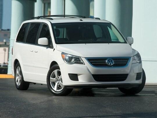 2012 Volkswagen Routan Van