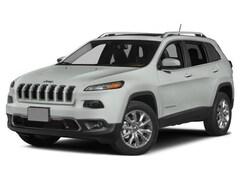 2015 Jeep Cherokee 4D SUV FWD Altitude V6 Altitude  SUV