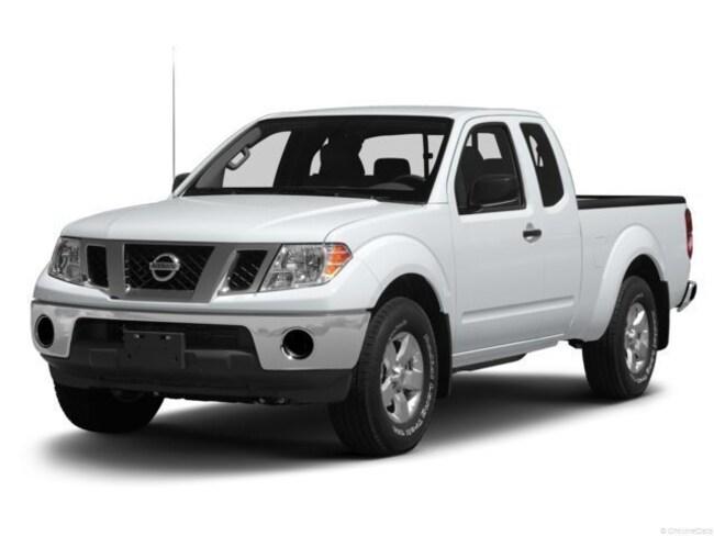 2015 Nissan Frontier SV V6 4x4 4dr King Cab 6.1 ft. SB Pickup 5A Truck King Cab