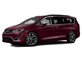 2017 Chrysler Pacifica Touring Van Fulton, NY