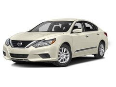 Bargain Used  2017 Nissan Altima 2.5 S Sedan for Sale in Hopkinsville KY