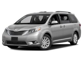 2017 Toyota Sienna XLE 7 Passenger Auto Access Seat Van