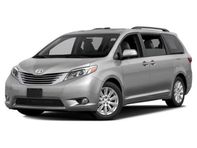 New 2017 Toyota Sienna Limited Premium 7 Passenger Van Scranton, PA