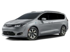 2018 Chrysler Pacifica Hybrid Touring Plus Minivan/Van