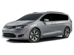 2018 Chrysler Pacifica Hybrid Hybrid Touring L Minivan/Van