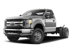 2018 Ford F-350 Chassis XL 4x4  Regular Cab 145 in. WB DRW Sedan