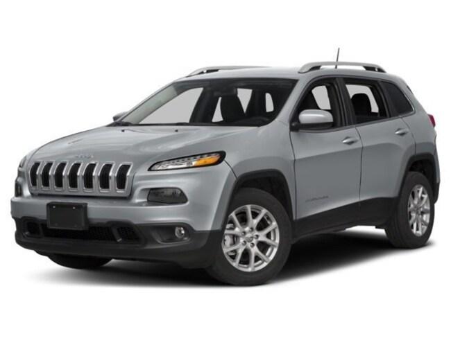 New 2018 Jeep Cherokee Latitude SUV near Madison WI in Baraboo