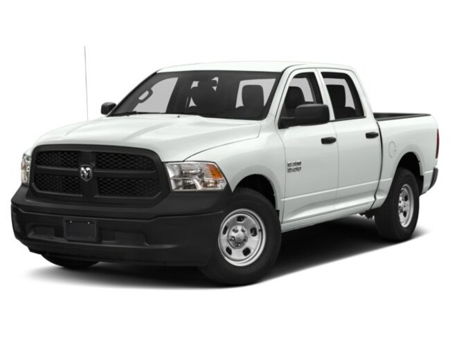 New 2018 Ram 1500 Express Truck Crew Cab in Milton FL