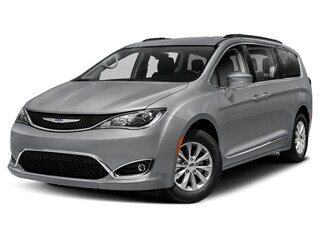 New 2019 Chrysler Pacifica LIMITED Passenger Van in Woodhaven, MI