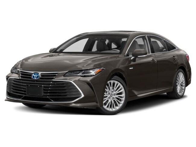 New 2019 Toyota Avalon Hybrid XSE Sedan for sale in the Brunswick, OH