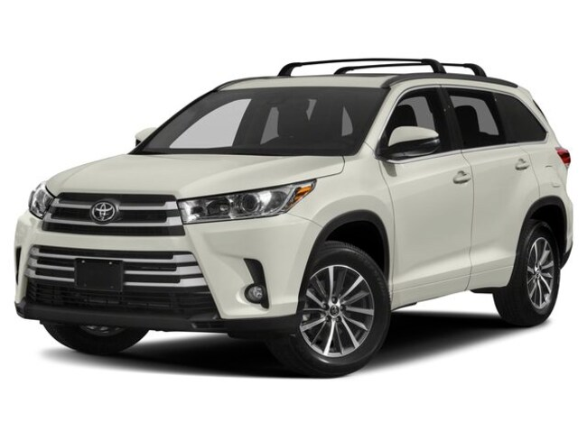 New 2019 Toyota Highlander XLE V6 SUV in Fargo, North Dakota
