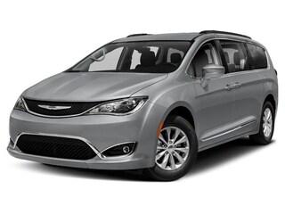New 2020 Chrysler Pacifica TOURING L Passenger Van