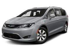 2020 Chrysler Pacifica Hybrid Touring L FWD Mini-van, Passenger Santa Rosa, CA