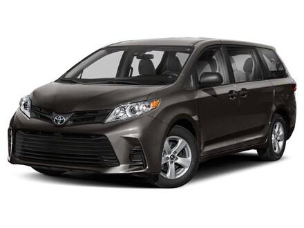 2020 Toyota Sienna SE Van