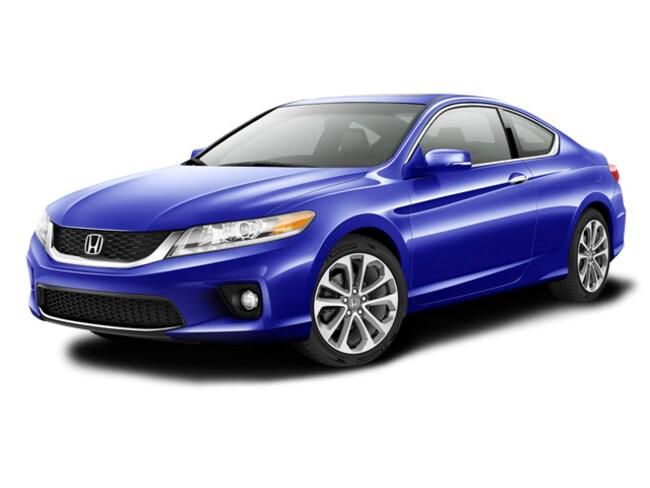 https://images.dealer.com/ddc/vehicles/2015/Honda/Accord/Coupe/trim_EXL_V6_28dc46/color/Still%20Night%20Pearl-BL-43%2C50%2C113-640-en_US.jpg?impolicy=resize&w=650