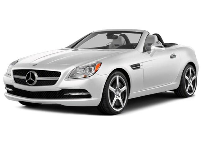 https://images.dealer.com/ddc/vehicles/2015/Mercedes-Benz/SLK-Class/Convertible/trim_Base_41b69a/color/Polar%20White-149-227%2C228%2C232-640-en_US.jpg?impolicy=resize&w=650