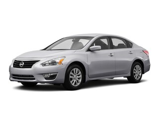 2015 Nissan Altima 2.5 S Display Audio Package Sedan