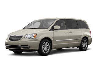 2016 Chrysler Town & Country Limited Platinum Wagon