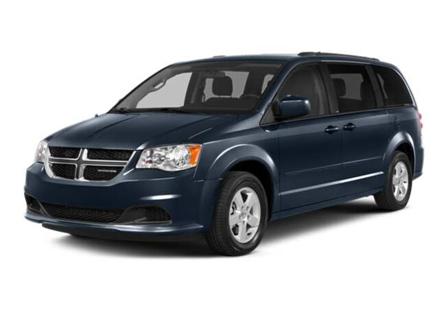Used 2016 Dodge Grand Caravan SE/SXT Van  Serving Winnipeg