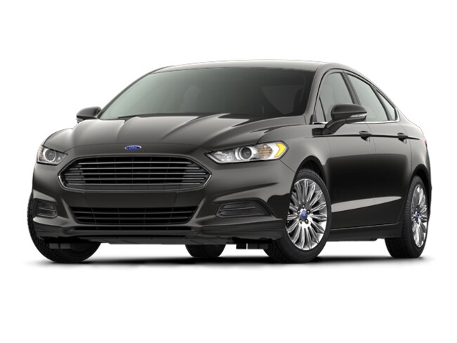 Used 2016 Ford Fusion SE Sedan for sale in Alliance, OH
