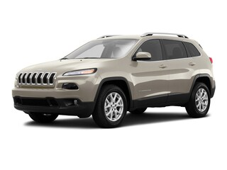 Used 2016 Jeep Cherokee Latitude 4x4 SUV 1C4PJMCB5GW271188 J190148A in Brunswick, OH