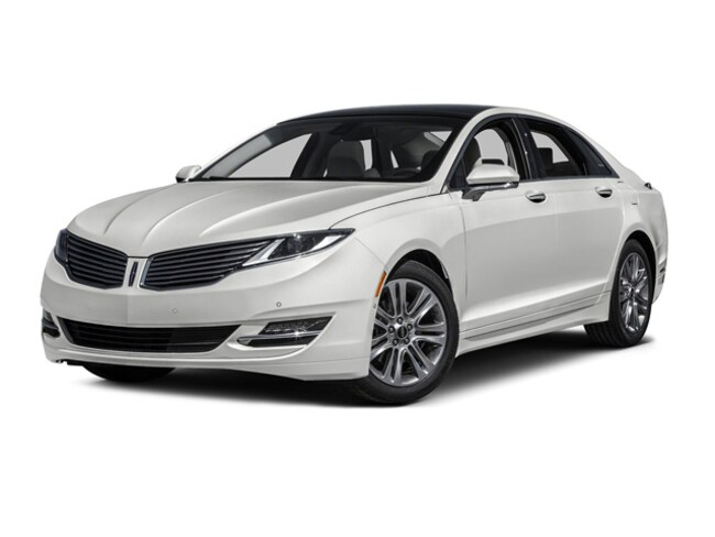 2016 Lincoln MKZ Reserve AWD with Navigation and Moon Roof Sedan