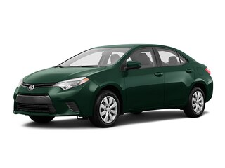 2016 Toyota Corolla LE upgrade w/ moonroof, camera, heated seats + Sedan