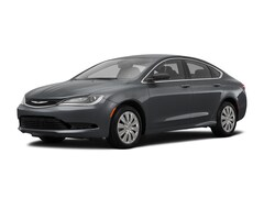 2017 Chrysler 200 Touring Touring FWD