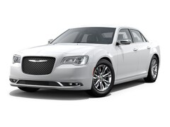 Certified Pre-Owned 2017 Chrysler 300C Base Sedan in Concord, CA