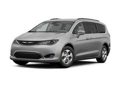 2017 Chrysler Pacifica Hybrid Hybrid Premium Van Passenger Van