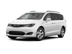 2017 Chrysler Pacifica Hybrid Premium Van Passenger Van