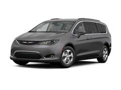 2017 Chrysler Pacifica Hybrid Premium Van Passenger Van San Fernando CA