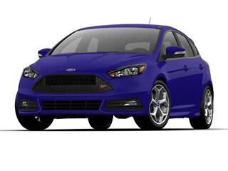 2017 Ford Focus ST Base Hatchback