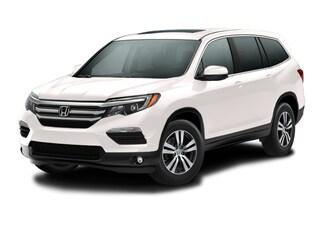 New 2017 Honda Pilot EX-L 2WD SUV 00H72113 near San Antonio