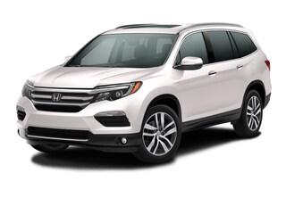 New 2017 Honda Pilot Touring FWD SUV Houston